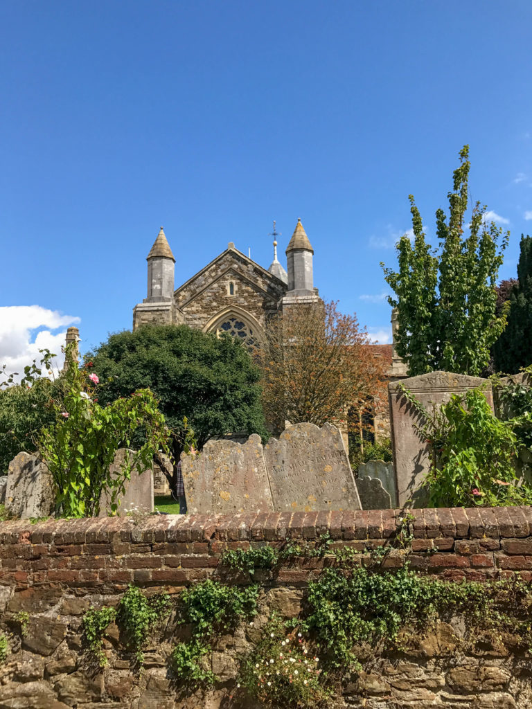 Rye St. Mary's Church vom Graveyard aus gesehen